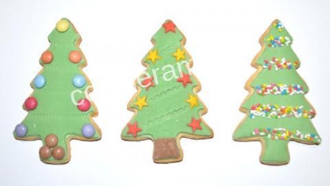 πώς να φτιάξετε μπισκοτένια χριστουγεννιάτικα δεντράκια